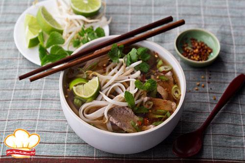 Với cách nấu phở bò sốt vang Hà Nội này chắc chắn sẽ đem đến cho bạn sự hài lòng