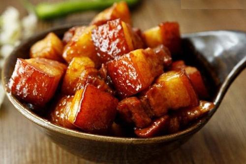 Cách kho thịt lợn (heo) ngon đơn giản tại nhà