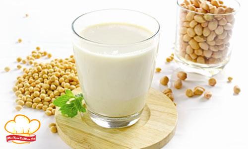 Cách làm sữa đậu nành tại nhà bằng máy xay sinh tố ai cũng thành công