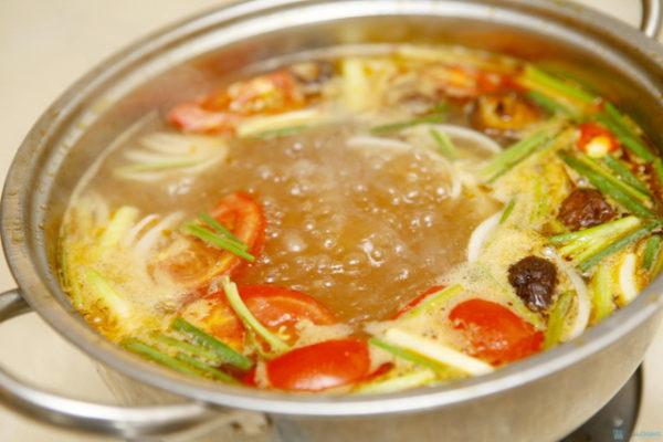Cách nấu nước lẩu Thái hải sản chua cay ngon