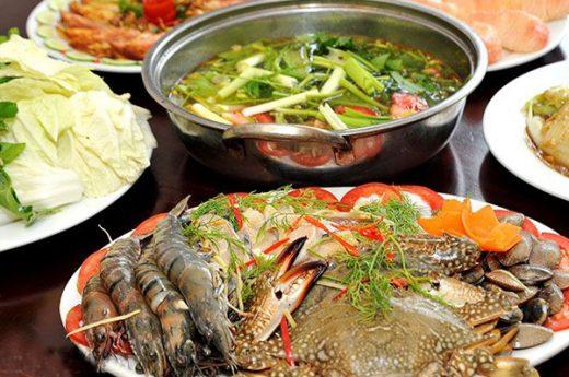 Cách nấu lẩu thái hải sản chua cay đơn giản tại nhà cho 6 người ăn