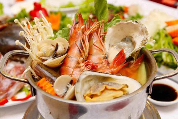 Cách nấu lẩu Thái hải sản chua cay đơn giản, ngon miệng tại nhà