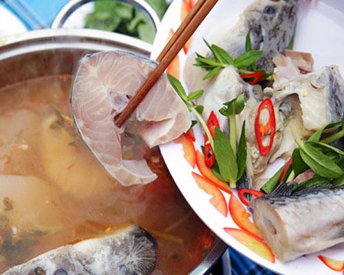 Hướng dẫn cách nấu lẩu cá Tầm măng chua