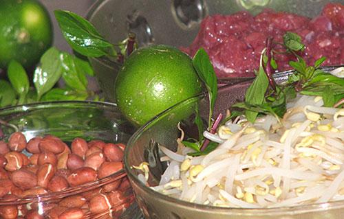 Nguyên liệu cần chuẩn bị cho món bún bò khô Nam Bộ