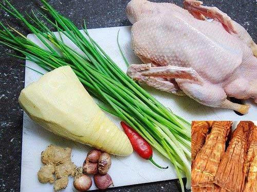 Muốn học cách nấu bún măng vịt ngon, khâu chuẩn bị nguyên liệu rất quan trọng