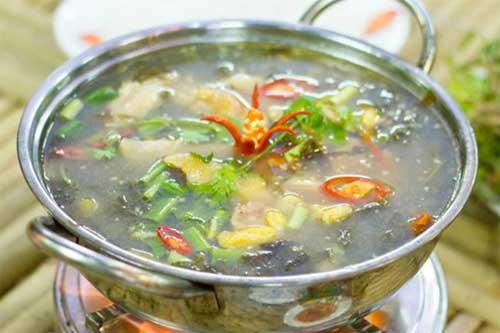 Cách nấu nước lẩu gà lá giang ngon